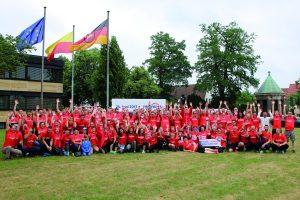 """zum Bild: Beste Laune beim Remmers-Hasetal-Marathon des VfL Löningen. Am 23.06.2018 geht das Löninger """"Sommerabend-Lauffest"""" bereits in die 16. Auflage. Foto: Remmers, Löningen."""