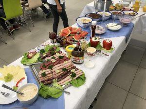 zum Bild: Alle Gäste dürfen sich auf ein reichhaltiges Buffet freuen. Foto: Stefan Beumker.