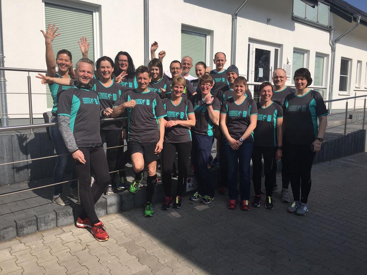 zum Bild: Das Team remmersFIT beim Weser-Werre-Lauf 2017. Foto: Christian Behrens.