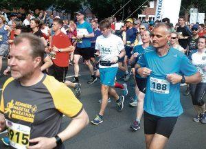 """zum Bild:<br>Viele Teilnehmer des Löninger Remmers-Hasetal-Marathons (hier bei der bisher letzten """"normalen"""" Ausgabe im Jahr 2019) kennen die Hasetalrunning-Strecke schon. Foto: Steffen Szepanski."""